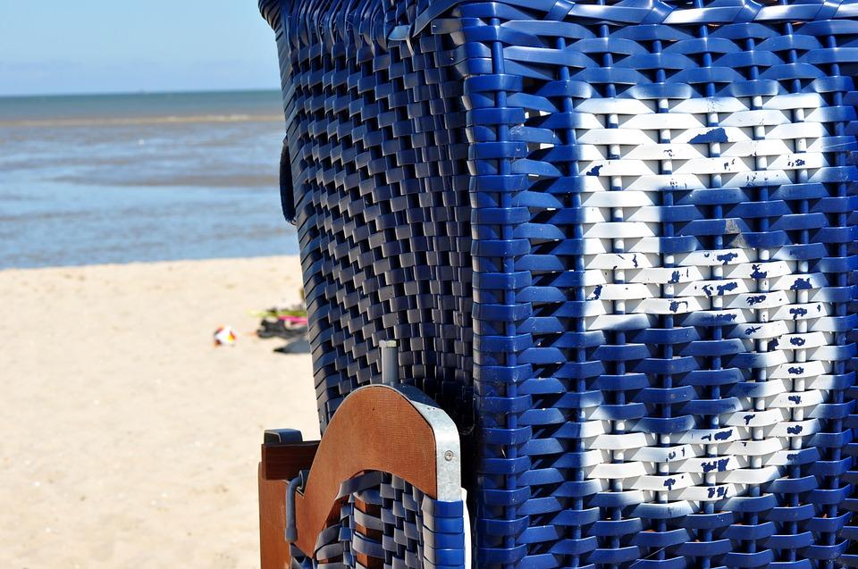 beach-chair-1550051_960_720